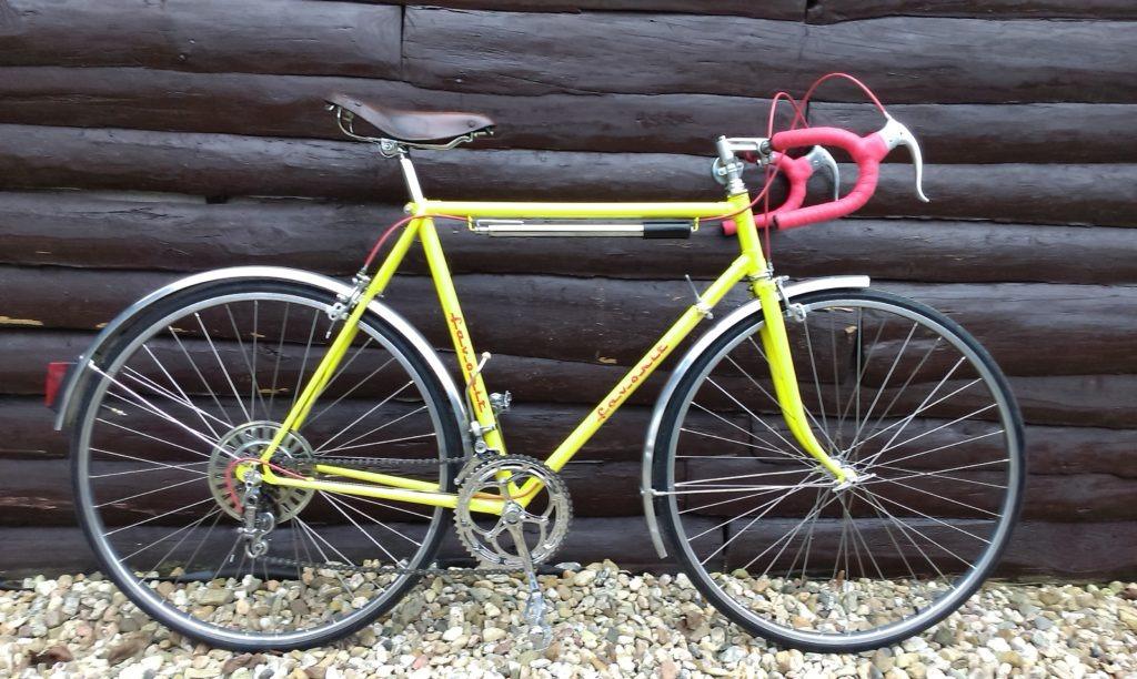 Žlutý Favorit 70tá léta